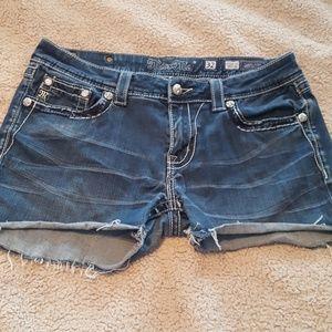 dfd6c408fa4 Women s Miss Me Jeans Chart on Poshmark
